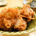 丸の内天ぷらめし 下の一色 - 鶏唐揚げの甘酢ソースかけ