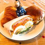 アヴェック - 料理写真:シェフのわんぱくサンド ¥345 / クロワッサン ¥172 / さつまクルミ ¥194