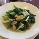 89244693 - 本日の野菜料理(カイランのニンニク炒め)