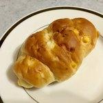 ベーカリー ののはな - とうもろこし しおパン ¥120