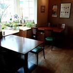 ボン・ビヴァン - ガーデンが見えるテーブル席