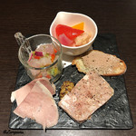 Yui - 真曹以のマリネ、佐助豚の加熱ハム、白レバーペースト、パテ・ド・カンパーニュ