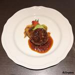 Yui - シャローレ牛のフレンチハンバーグ