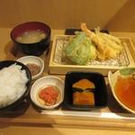 89247520 - 暫く待つと注文した天ぷら定食650円の出来上がりです。