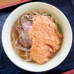 田村屋 - 料理写真:とんかつラーメン(醤油ラーメン焼豚あり+トンカツ)