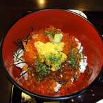 和食 美やま - サーモン,ウニ,イクラ丼