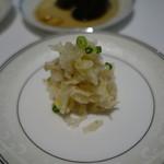 厲家菜 - 厲家特製塩漬け白菜と鶏肉の和え物