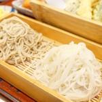 十割そば 大善 - 2018年4月 二色そば+天ぷら盛り合わせ【850円+400円】