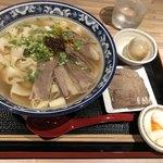 金味徳拉麺 - 牛肉麺セット 1,150円