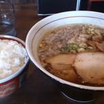 らー麺 武蔵 - 正油ラーメン 2013.07
