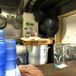 中華そば いづる - 厨房