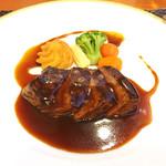 西武特別食堂 ホテルオークラ - 夏の洋食コース <オパール> 牛ヒレ肉のグリル マデラとトマトの2色ソース