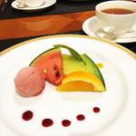 西武特別食堂 ホテルオークラ - 夏の洋食コース <オパール> フルーツとシャーベット・紅茶