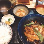 Kaisenyakaishimmaru - 魚のあら炊き定食1,000円(税別)