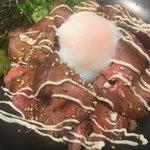 ジムビームバー - MEGAローストビーフ丼(´∀`*)