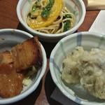 旬菜食健 ひな野 - 手前側が豚肉のコチュジャン焼き♪舞茸の天ぷらも美味しいけど、豚肉が旨い (^o^) 分厚いって言っても他の料理に比べてですけどね ( ̄∇ ̄*)ゞ