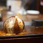 ステーキなぐら - チーズインハンバーグ デミソース