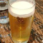 ディップガーデン - シンハービール(生)を追加。1杯630円(税込)。