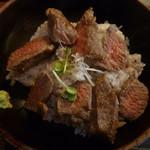 89274791 - ステーキ丼メイン