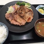 ふじや - 豚ロース生姜焼定食 900円