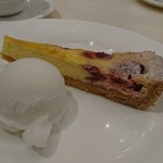 ビストロ オザミ - タルトとアイスのデザート