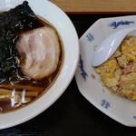 らーめん村上 - 料理写真:ラーメンチャーハンセット1000円。