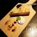 肉バル MEAT BOY N.Y - キャラメルショコラケーキ 400円+税