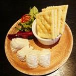 肉バル MEAT BOY N.Y - カマンベールチーズ 650円+税