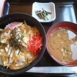 コマ展望台レストラン - '18/07/15 つくば鶏親子丼(税込960円)
