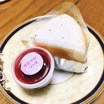 ミヤケ - スフレチーズケーキ