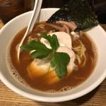 新橋 纏 - 烏賊干鶏白湯醤油そば850円