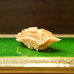 鮨駒 - 料理写真:中トロ