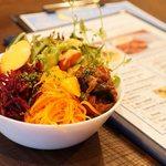 ブロンズ グリル - 料理写真:野菜いろいろサラダ