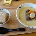 島豆腐と、おそば。真打田仲そば - 真味 ソーキそばと島豆めしセット