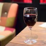 PIZZAジャルディーノ SAVOY - 赤ワイン/ガロフォリ ジー・ロッソ(グラス)@550円