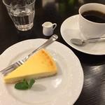 Bumboudougyararikafe - ベイクドチーズケーキセット