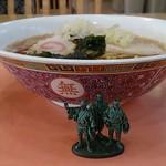 東学食堂 - 料理写真:ラーメン310円 側面