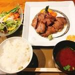 tajimagyuuiroridainingumikuni - 日替わりあぶり肉セット(A5ランク三角バラ)