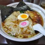 ふじ乃 - 料理写真:手打ち中華そばワンタン麺(700円)