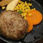 格之進 - 料理写真:肉汁溢れるハンバーグ