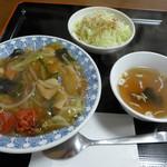 ラーメン&中華 恵伊登 - 恵伊登ハーフセット(中華丼選択・500円)