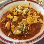 チャンダニ - チキンマサラのアップ。卵が見た目も味も良くしてます