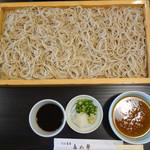多め勢 - 料理写真:板そばはザル2枚分の量で1,600円です。