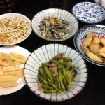 喜来楽 - 生メンマ、煮干しピーナッツ、糸切り豆腐の和え物、金針菜と豚肉のニンニク炒め、マコモダケと豚肉・干しエビの炒め