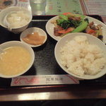 Ryuukahanten - 五目野菜と特製バラ肉の炒め 780円