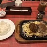 グルメ風月 - ◆ビーフバター焼きとハンバーグのコンボ(1280円)。