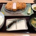 89333788 - 彩の国 黒豚厚切りロース とんかつランチ(2018.07)