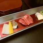89334670 - 焼物:国産牛を特製醤油垂れで~季節の野菜を添えて~・貝柱バター焼きと近江の野菜~アンデス岩塩とレモンと共に~