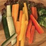 ポニ&ココ - 自家製ソースのバーニャカウダの野菜