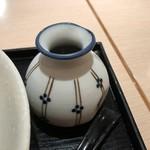 武膳 - ツユは甘辛い味わいで濃厚ですが、この麺に合います。